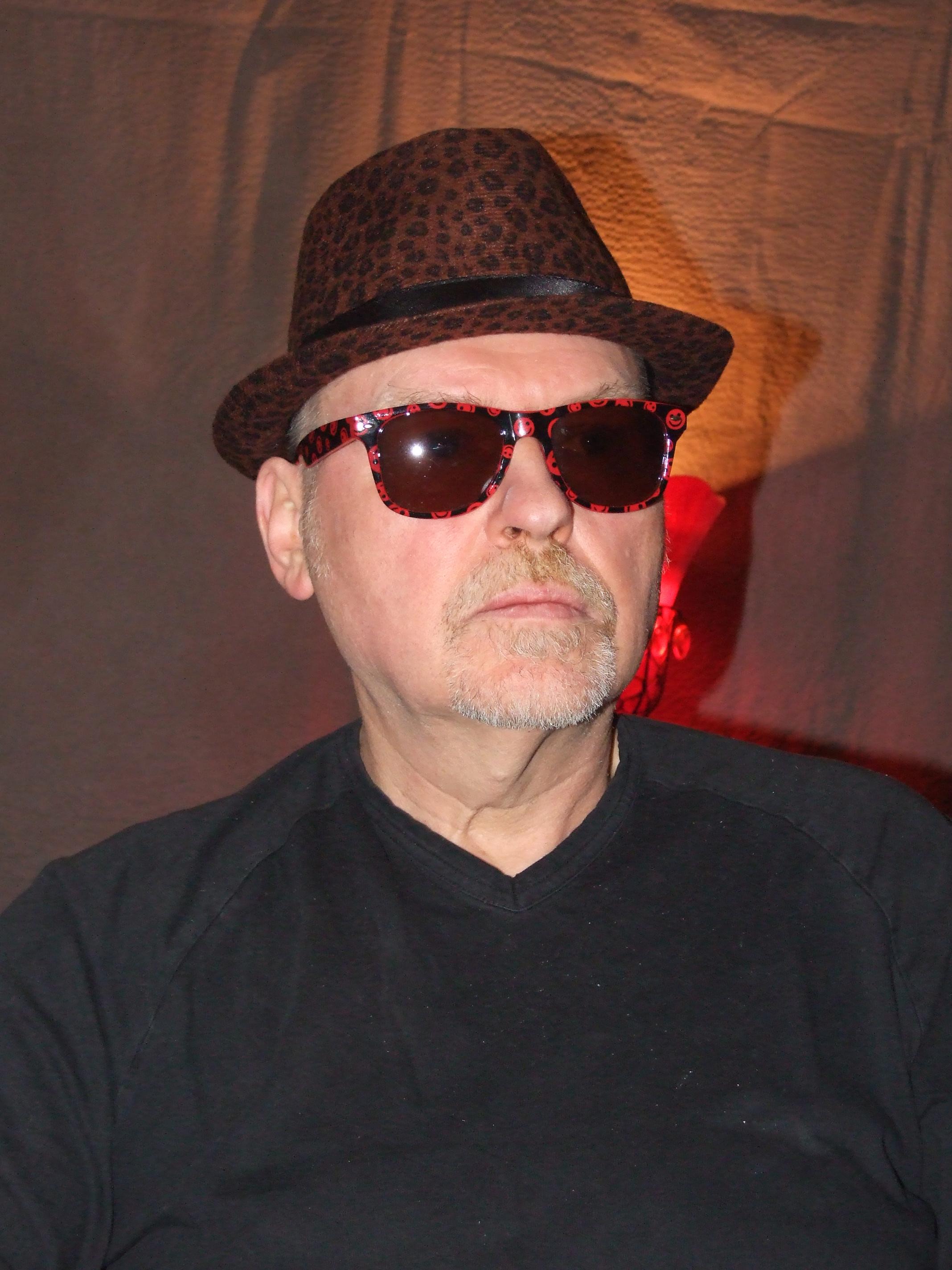 #manwithhatandsunglasses - the wild printed hat