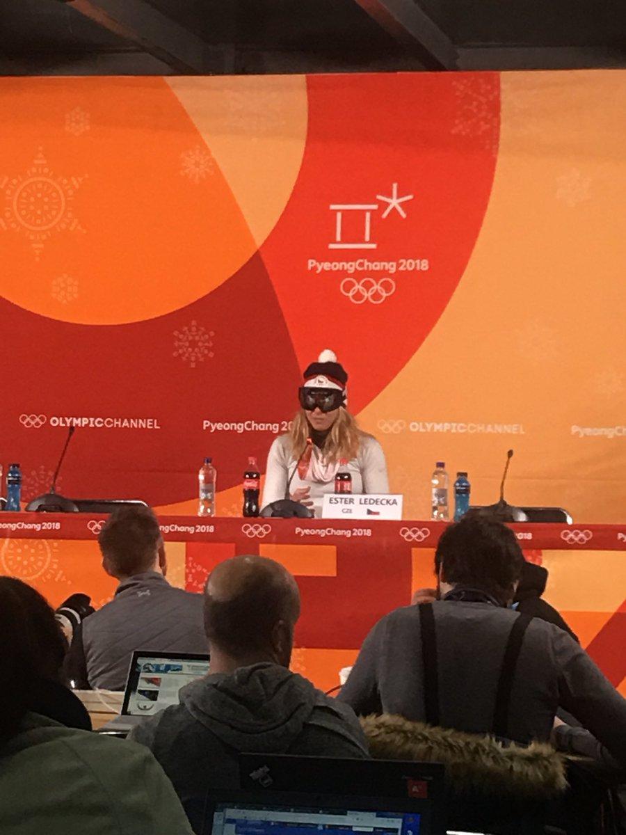 Snowboarderin gewinnt oympisches Skirennen